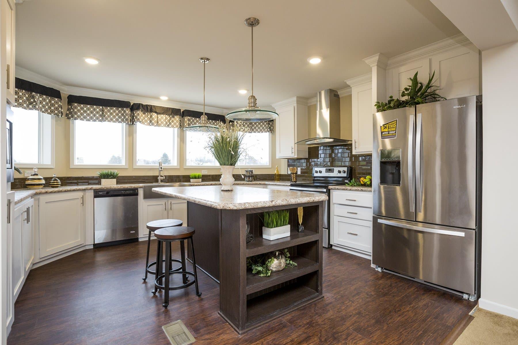 Lakeview 3268 06 kitchen 1 copy